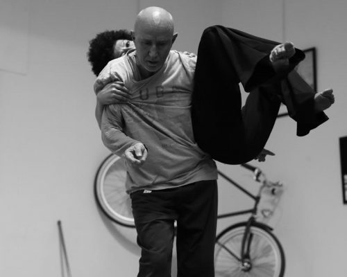 """Il Verbo Guidare"": Seminario Di Contact Improvisation Con Roberto Lun"